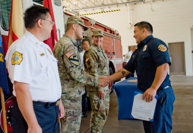8TSC, USAG-HI recognize Federal Firefighters
